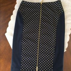 Micheal kors skirt Micheal kors pencil skirt,worn one,price is firm Michael Kors Skirts Pencil