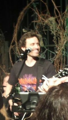 #LoudenSwain rocking #VegasCon ...so happy to see Rob back in the saddle!!
