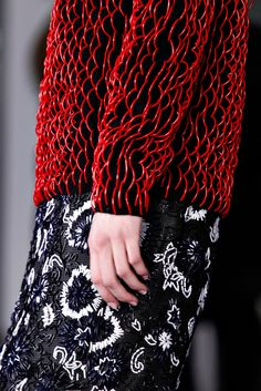 Christopher Kane Fall 2012  Use el wire...