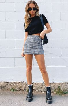 Mode Outfits, Girly Outfits, Cute Casual Outfits, Summer Outfits, Fashion Outfits, Plaid Outfits, Womens Fashion, Checked Skirt Outfit, White Skirt Outfits