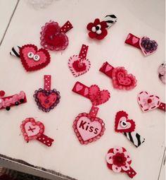 V-day hair clips