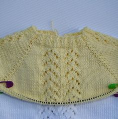 JERSEY DE BEBE GUILLE   Puntomoderno.com Crochet For Kids, Crochet Top, Doll Clothes, Pullover, Knitting, Sweaters, Tops, Women, Patterns