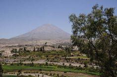 En el Volcan Misti también se practican vertiginosos descensos en bicicleta de montaña por las laderas de este volcán cuya forma es perfectamente piramidal. Desde sus partes altas se tienen extraordinarias vistas de Arequipa y los valles que rodean a la ciudad.