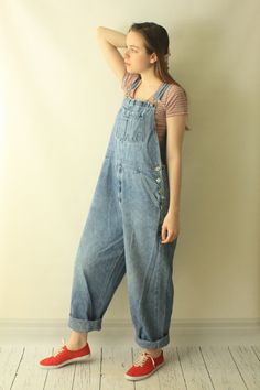 This cool pair of Arizona overalls are 100% Cotton and a size extra large. They are in excellent vintage condition, with no flaws to note. These