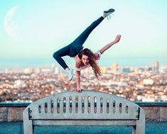 View all pictures, buttons and outfits from Sofie Dossi ( on 21 Buttons Amazing Gymnastics, Gymnastics Videos, Gymnastics Pictures, Dance Pictures, Gymnastics Problems, Poses Gimnásticas, Dance Poses, Acro Dance, Dance Picture Poses