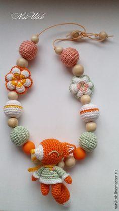 Купить слингобусы Лиска, бусы с игрушкой вязаные крючком - разноцветный, слингобусы с игрушкой, слингобусы мамабусы #fox, #nurcing necklace