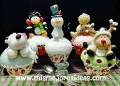Cute Christmas Gifts, Christmas Deco, Christmas Crafts, Christmas Ornaments, Fondant Toppers, Fondant Cakes, Holiday Cupcakes, Polymer Clay Ornaments, Polymer Clay Christmas