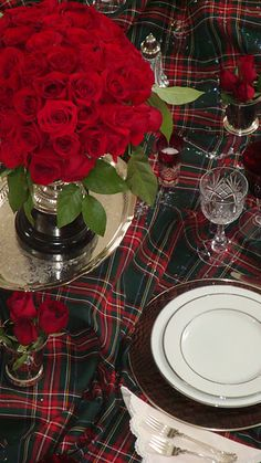 Tartan table setting looks very festive. I have this tartan on my sofa, it looks like Princess Mary Christmas Table Settings, Christmas Tablescapes, Holiday Tables, Christmas Decorations, Holiday Decor, Tartan Christmas, Plaid Christmas, Christmas Time, Xmas