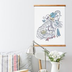 Well done WellMade!  I can thinks of hundreds of ways to use this: to rotate kids' art/awards, to change artwork with the seasons, specials at my restaurant, promo posters at retail, use in classrooms, use in offices. Bravo.