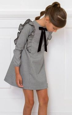More at luvlyfashion.c … - Cool 37 charming kids winter dress ideas Christmas gifts. More at luvlyfashion. Little Dresses, Little Girl Dresses, Girls Dresses, Girls Christmas Dresses, Maxi Dresses, Casual Dresses, Little Girl Fashion, Kids Fashion, Robe Diy