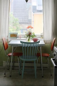 Kirsten and Paul's loverly retro kitchen in Kristiansand, Norway
