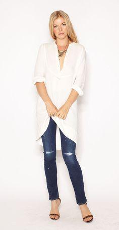chupin azul gastado con camisola natural