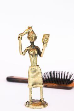 A combing women.