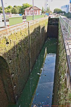 Canal Saint-Denis Lock