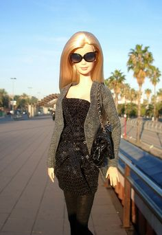 Sunset Walk Barbie  -35.14.3 qw