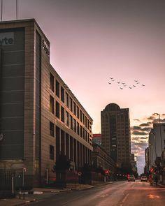 Johannesburg South Africa (@cityofjohannesburg) • Instagram-Fotos und -Videos Johannesburg City, Beautiful Morning, Great Photos, South Africa, Building, Videos, Interior, Travel, Instagram