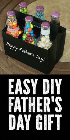 The kids can make this popular DIY Father's Day gift idea for a fun treat filled six pack that comes complete with a six pack chalkboard treat carrier! Diy Father's Day Crafts, Diy Father's Day Gifts Easy, Diy Gifts For Dad, Diy Holiday Gifts, Father's Day Diy, Easy Diy, Cheap Fathers Day Gifts, Homemade Fathers Day Gifts, Fathers Day Crafts