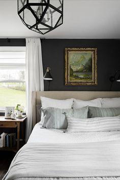Dark Master Bedroom, Dark Bedroom Walls, Bedroom Wall Colors, Accent Wall Bedroom, Bedroom Green, Master Bedroom Design, Home Bedroom, Bedroom Furniture, Dark Walls