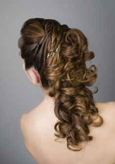Very preatty. thats sooo for like a wedding or a sweet sixteen or a quinceañera Best Wedding Hairstyles, Bride Hairstyles, Pretty Hairstyles, Mother Of The Bride Hair, Special Occasion Hairstyles, Quinceanera Hairstyles, Creative Hairstyles, Very Long Hair, Grunge Hair