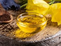 Pupálka dvouletá (pupálkový olej) pomáhá především ženám Cantaloupe, Fruit, Food, Lemon, Essen, Meals, Yemek, Eten