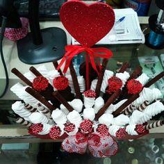 Arreglo san valentin chocolates y malvaviscos