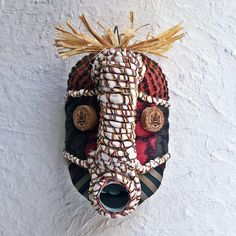 masque afrique du sud recyclé asart African Masks, Home Staging, Decoration, Emma Peel, Inspiration, Banana, Manualidades, Still Life Photography, Everything