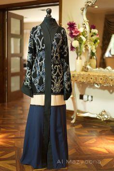 Al Mazyoona Black Embroidered Party Wedding Bisht Abaya Dubai Arabic Jalabiya… Niqab Fashion, Dubai Fashion, Muslim Fashion, Fashion Models, Fashion Muslimah, Fashion Show, Modest Dresses, Modest Outfits, Modest Clothing