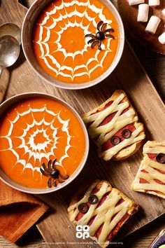 Try this Halloween soup with a twist! Try this Halloween soup with a twist! Halloween Snacks, Diy Halloween Essen, Halloween Tags, Hallowen Food, Creepy Halloween Food, Spooky Food, Halloween Dinner, Healthy Halloween Treats, Halloween Parties