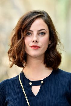 Kaya Scodelario Photos - Kaya Scodelario attends the Chanel Haute Couture Fall/Winter show as part of Haute Couture Paris Fashion Week on July 2017 in Paris, France. Kaya Scodelario, Kaya Rose Humphrey, Elizabeth Stonem, Bouncy Curls, British Actresses, Hollywood Actresses, Beautiful Actresses, Hair Looks, Girl Crushes
