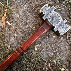 Headed by blacksmith Aaron Cergol, Cergol Forge makes axes, knives and other hand tools. It's most famous for its beautiful hammers, which often have Vikings, Blacksmith Hammer, La Forge, Blacksmith Projects, Medieval Weapons, Concept Weapons, Arm Armor, Fantasy Weapons, Knives And Swords