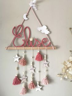 decoration tipi mural for a idea and opt for this teepee wall dec Diy Crafts To Sell, Home Crafts, Crafts For Kids, Arts And Crafts, Diy Wall Decor, Baby Decor, Diy Ribbon, Diy Art, Diy Gifts