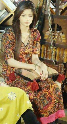 Mawra hussain i like her sadness Dps For Girls, Cute Texts, Pakistan Fashion, Pakistani Actress, Actors & Actresses, Girly, Saree, Stylish, Celebrities