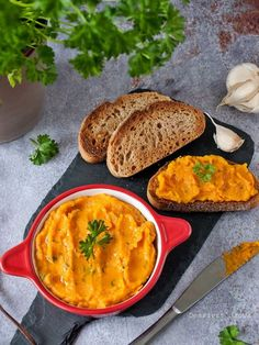 Fokhagymás sütőtökkrém recept - Kifőztük, online gasztromagazin Vegetarian Recepies, Healthy Soup Recipes, Veggie Recipes, Healthy Snacks, Cooking Recipes, Healthy Life, Hungarian Recipes, Greens Recipe, Food Photo