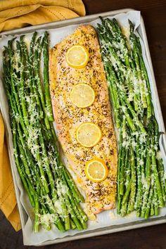 One+Pan+Roasted+Lemon+Pepper+Salmon+and+Garlic+Parmesan+Asparagus