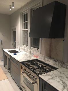 Kitchen Kitchen Island, Kitchen Cabinets, Kitchens, Appliances, Street, Home Decor, Island Kitchen, Gadgets, Accessories