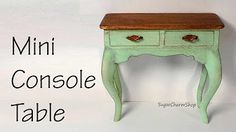 I make dollhouse miniatures and other minis suitable for dolls as well as a few other DIY type projects every now and then :) You'll find lots of how to vide. Dollhouse Miniature Tutorials, Miniature Houses, Diy Dollhouse, Miniature Dolls, Miniature Furniture, Dollhouse Furniture, Clay Miniatures, Dollhouse Miniatures, Console Table