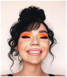 makeup sponge makeup in eyeshadow makeup pink geek eyeshadows palette makeup step by step makeup tips with pictures makeup glamor makeup looks step by step Makeup Eye Looks, Cute Makeup, Eyeshadow Looks, Gorgeous Makeup, Pretty Makeup, Skin Makeup, Eyeshadow Makeup, Makeup Kit, Makeup Geek