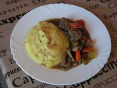Boeuf à la bourguignonne Mashed Potatoes, Ethnic Recipes, Blog, Beef Bourguignon, Food, Kitchens, Whipped Potatoes, Smash Potatoes