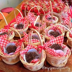 Little Red Riding Hood Birthday Party Food Ideas… Hedgehogs in a basket! Little Red Riding Hood Birthday Party Food Ideas… Hedgehogs in a basket! Picnic Theme, Picnic Birthday, Bear Birthday, Birthday Parties, Birthday Cakes, Red Riding Hood Party, Heart Party, Red Party, Partys