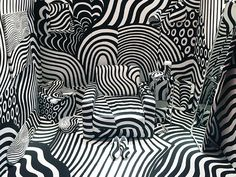 Dazzle Room by Shigeki Matsuyama Arte Linear, Dazzle Camouflage, Illusion Drawings, See And Say, Work Inspiration, Art Plastique, Op Art, Installation Art, Event Design