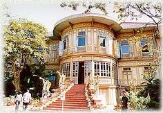 Vimanmek Palace - The largest teakwood mansion in the world