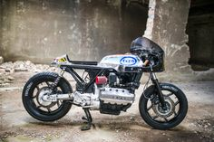 Bmw K100 cafe racer by Vibrazioni #motorcycles #caferacer #motos | caferacerpasion.com