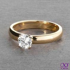 Anaela in gold with a half carat diamond. #Yorxs #Verlobungsring #Diamantring #Solitärring