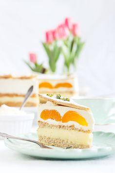 Aprikosen-Pudding-Sahne-Torte