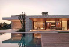 Beach Mansion, Modern Villa Design, Modern Mansion, Spanish House, Stone Houses, Exterior Design, Modern Architecture, Bungalow, My House