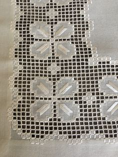 Hardanger Embroidery, Embroidery Stitches, Needle Lace, Needlework, Diy And Crafts, Projects To Try, Quilts, Farmhouse Rugs, Rose Buds