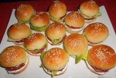 appetizers for party Mini Hamburgers, Baking Recipes, Healthy Recipes, Mini Sandwiches, Czech Recipes, Appetizers For Party, Finger Foods, Food To Make, Food And Drink