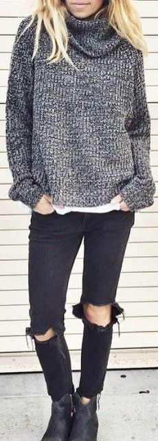 Laura Wiertzema is wearing a grey knit jumper and skinny jeans. All Fashion, Street Fashion, Fashion Trends, Preppy Grunge, Winter Looks, Fall Winter Outfits, Instagram Fashion, Jumper, Skinny Jeans