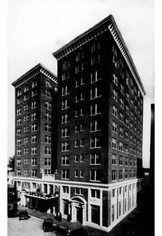 Part of the commercial building boom in the 1920s, the 11-story Angebilt Hotel in 1923. Considered the jewel of #DowntownOrlando, the building included hotel rooms, a rooftop garden, restaurant, pharmacy, bookstore and other businesses.