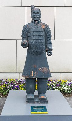 Outside the Virginia Museum of Fine Arts, a replica Terracotta Warrior announces the striking exhibit inside. Museum Of Fine Arts, Exhibit, Terracotta, Art History, Warriors, The Outsiders, Winter Jackets, Studio, Projects